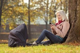 Why social media is not a new mother's friend