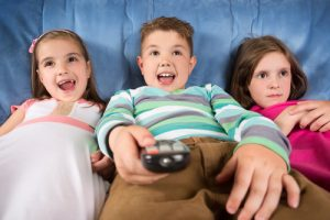 Children-watching-tv