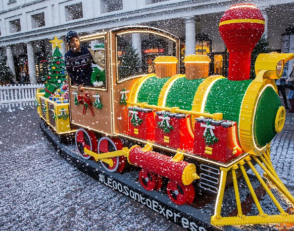 The LEGO Christmas Express puffs into Covent Garden - Mumfidential